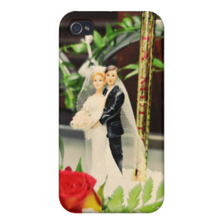 Bride and groom wedding cake topper iPhone 4/4S cases