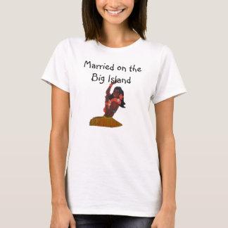 Bride Hawaiian Wedding Big Island of Hawaii T-Shirt