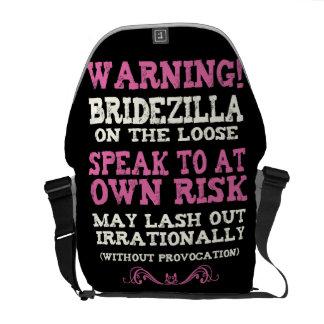 Bridezilla en el flojo bolsas de mensajería