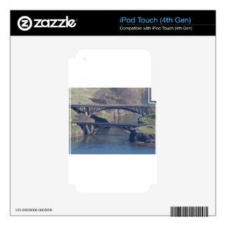 bridge iPod touch 4G skins