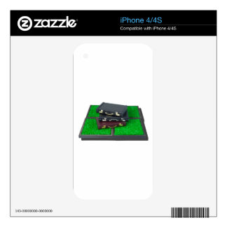 BriefcasesOnLawn061315.png iPhone 4 Skins