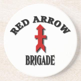 Brigada roja de la flecha del Guardia Nacional del Posavasos Diseño
