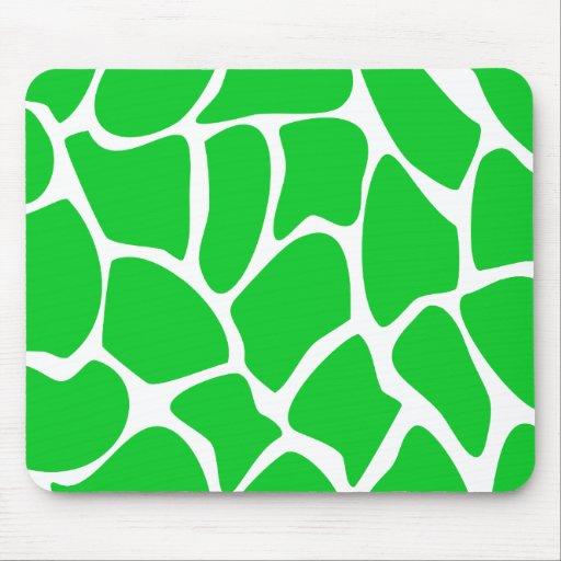 Bright Green Giraffe Print Pattern. Mouse Pad