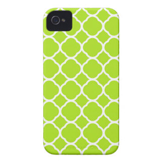 Bright Lime Green and White Quatrefoil Pattern iPhone 4 Case-Mate Case