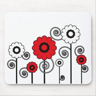 Bright, red & white digital art flowers mousepad