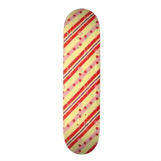 Bright Strawberry Swirl Stripes Pattern Skateboard