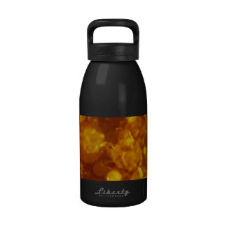 brillante y brillante, de oro botella de beber