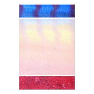 Brillante y colorido Modelo rojo azul y amarillo Tarjeton