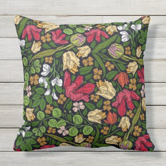 Brilliant Country Print Outdoor Pillow 20x20