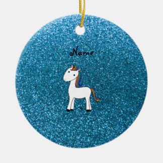 Brillo azul personalizado del unicornio conocido adorno navideño redondo de cerámica