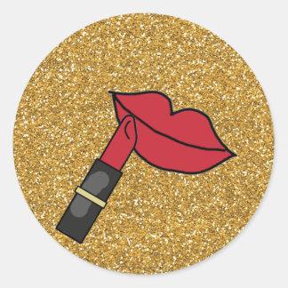 Brillo del oro y labios rojos con el lápiz labial pegatina redonda