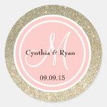Brillo del oro y monograma rosado del boda del pegatina redonda