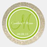Brillo del oro y monograma verde del boda pegatinas redondas