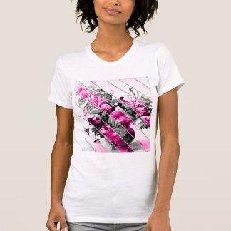 Brillo floral blanco negro rosado de las rayas del camiseta
