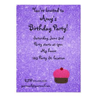 Brillo púrpura de la magdalena rosada del brillo invitación personalizada