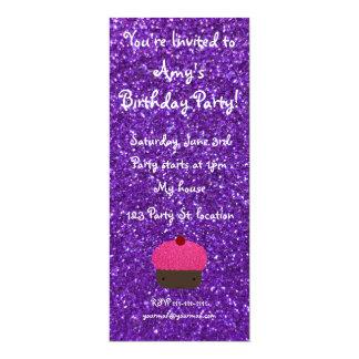 Brillo púrpura de la magdalena rosada linda del invitacion personal