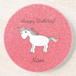Brillo rosa claro del unicornio conocido del cumpl posavasos cerveza