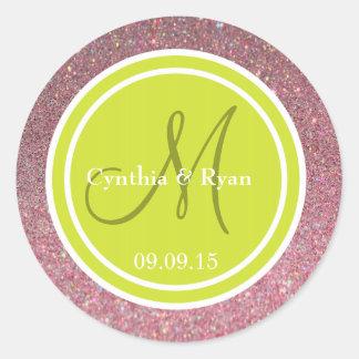 Brillo rosado y monograma verde del boda de la pegatinas redondas