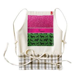 Brillo verde conocido del rosa de los dachshunds delantal zazzle HEART