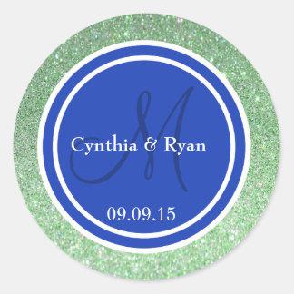 Brillo verde y monograma azul del boda pegatina redonda