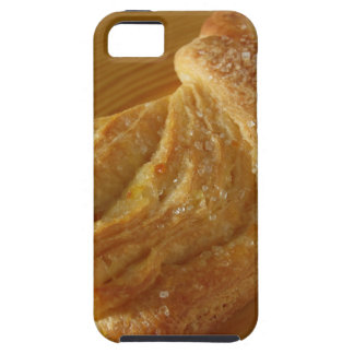 Brioche on a wooden table iPhone SE/5/5s case