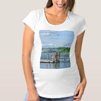 Bristol RI - Little Girls Watching Seagulls T-shirt