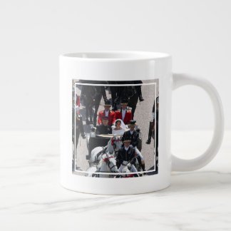 Britain's Duke & Duchess of Sussex: Carriage Ride Giant Coffee Mug