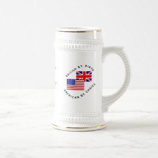 Británicos del americano del nacimiento por la jarra de cerveza