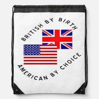Británicos del americano del nacimiento por la mochilas