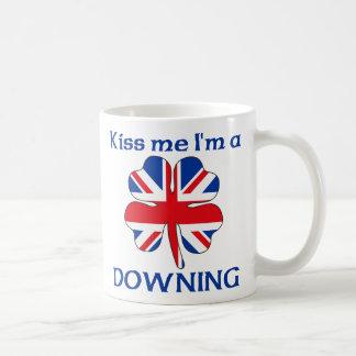 Británicos personalizados me besan que estoy traga taza de café