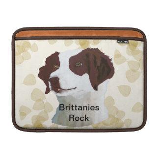 Brittany ~ Tan Leaves Motiff MacBook Air Sleeve