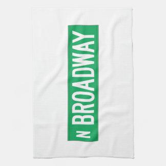 Broadway, placa de calle de Chicago, IL Toallas De Mano