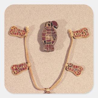 broche Eagle-formada y un collar Calcomanía Cuadradase