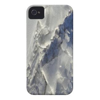 Broken hoists iPhone 4 case
