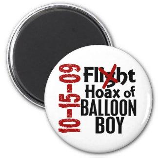 Broma del muchacho del globo imán redondo 5 cm