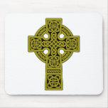 Bronce de la cruz céltica alfombrillas de ratón