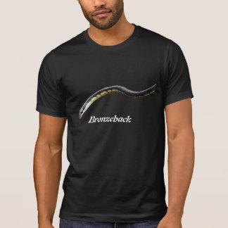 Bronzeback destruyó la camiseta