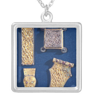 Brooch and buckles square pendant necklace