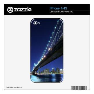 Brooklyn Bridge and Manhattan Skyline At Night Decal For iPhone 4