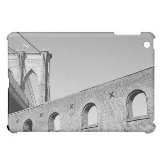 Brooklyn Bridge and Manhattan Skyline At Night iPad Mini Cover