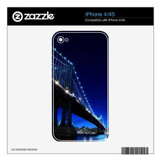 Brooklyn Bridge and Manhattan Skyline At Night iPhone 4 Skins