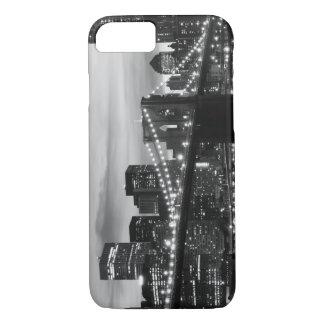 Brooklyn Bridge and Manhattan Skyline At Night iPhone 8/7 Case