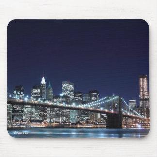 Brooklyn Bridge and Manhattan Skyline At Night Mouse Pads