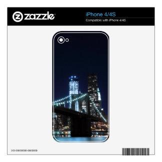 Brooklyn Bridge and Manhattan Skyline At Night Skin For The iPhone 4