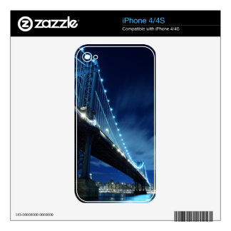 Brooklyn Bridge and Manhattan Skyline At Night Skin For The iPhone 4S