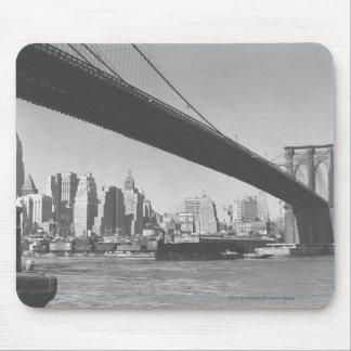 Brooklyn bridge and Manhattan skyline New York Mouse Pad