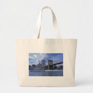 Brooklyn Bridge Municipal Building Canvas Bags