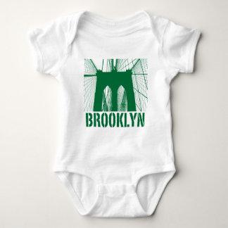 Brooklyn Bridge silhouette green Baby Bodysuit