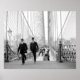 Brooklyn Bridge Walkway, 1905 Poster