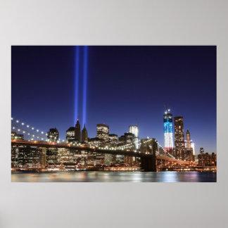 Brooklyn Brigde y las torres de luces en la noche, Posters